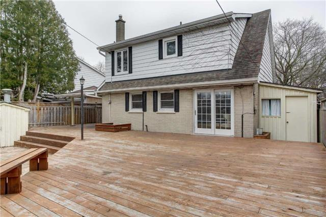 Detached at 24 Almond Ave, Markham, Ontario. Image 6