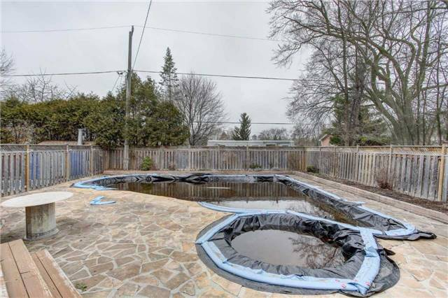 Detached at 24 Almond Ave, Markham, Ontario. Image 7