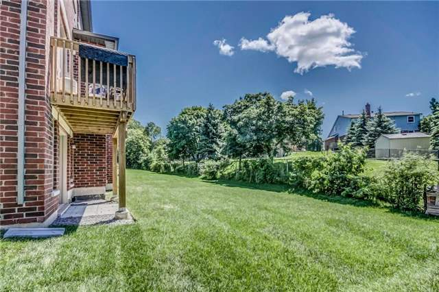 Detached at 649 Mcgregor Farm Tr, Newmarket, Ontario. Image 13