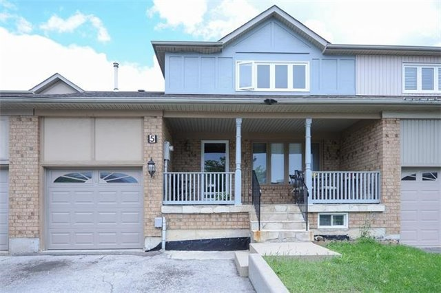 Townhouse at 5 Crieff Ave, Vaughan, Ontario. Image 1