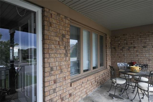 Townhouse at 5 Crieff Ave, Vaughan, Ontario. Image 10