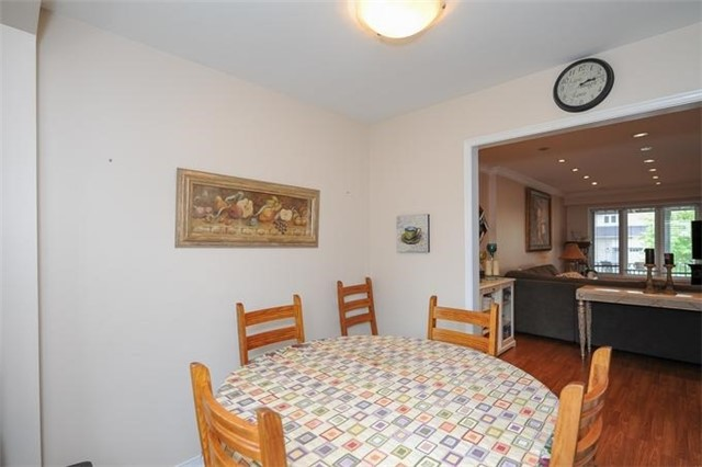 Townhouse at 5 Crieff Ave, Vaughan, Ontario. Image 16