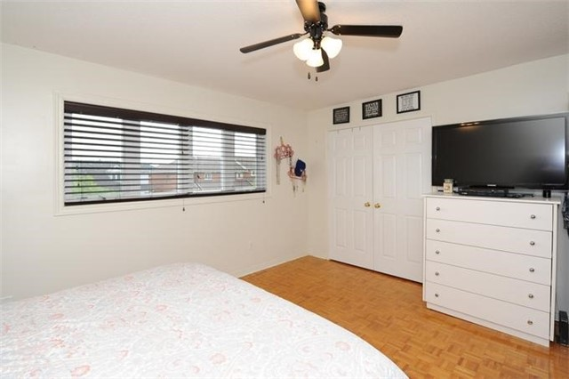 Townhouse at 5 Crieff Ave, Vaughan, Ontario. Image 5