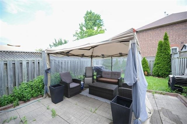 Townhouse at 5 Crieff Ave, Vaughan, Ontario. Image 8