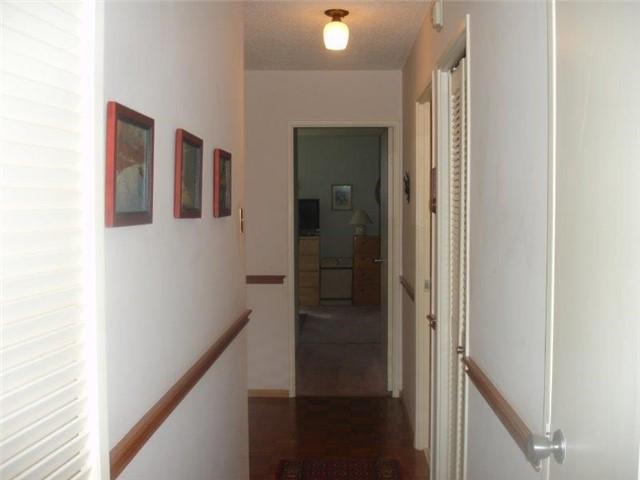 Condo Apartment at 40 Baif Blvd, Unit 509, Richmond Hill, Ontario. Image 9