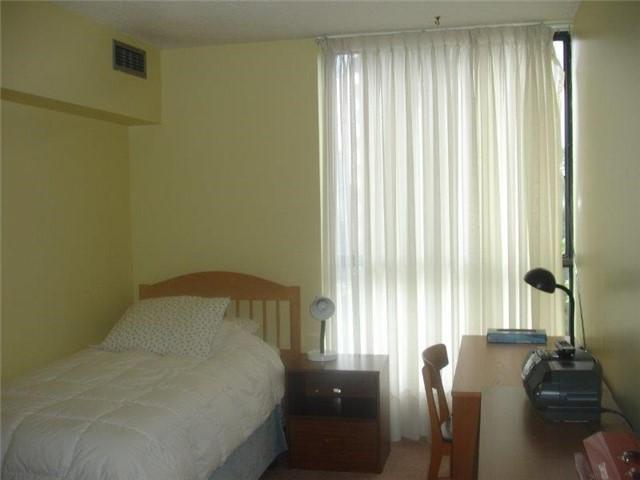 Condo Apartment at 40 Baif Blvd, Unit 509, Richmond Hill, Ontario. Image 2
