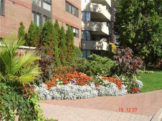 Condo Apartment at 40 Baif Blvd, Unit 509, Richmond Hill, Ontario. Image 7