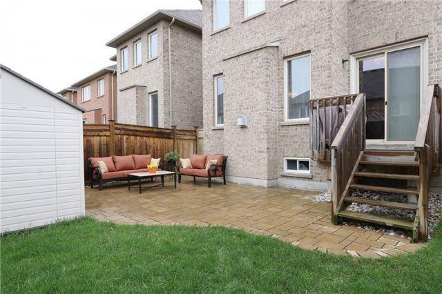 Link at 116 Lewis Honey Dr, Aurora, Ontario. Image 9