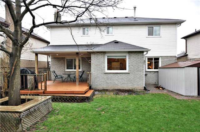 Detached at 53 Stiver Dr, Newmarket, Ontario. Image 12