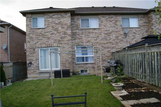 Semi-detached at 82 Corkwood Cres, Vaughan, Ontario. Image 14