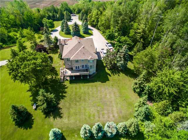 Detached at 2510 6th Line, Innisfil, Ontario. Image 15