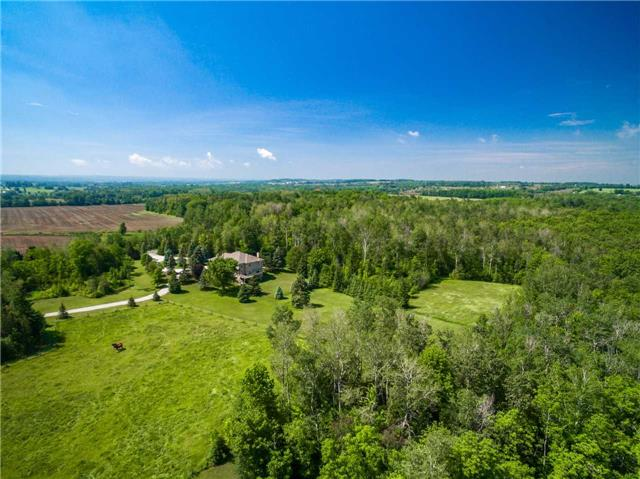 Detached at 2510 6th Line, Innisfil, Ontario. Image 11