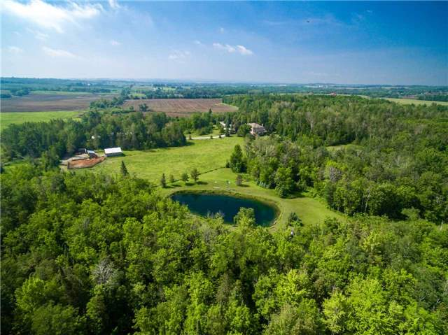 Detached at 2510 6th Line, Innisfil, Ontario. Image 13