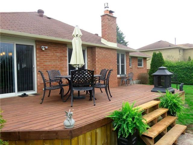 Detached at 6 Maple Way, East Gwillimbury, Ontario. Image 5