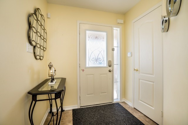 Semi-detached at 15 Win Timbers Cres, Whitchurch-Stouffville, Ontario. Image 12