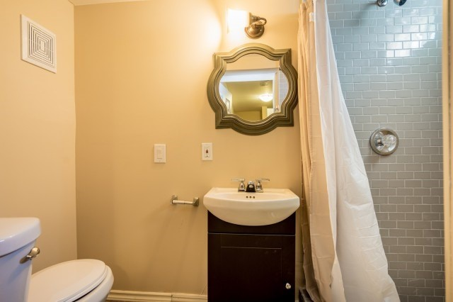 Semi-detached at 15 Win Timbers Cres, Whitchurch-Stouffville, Ontario. Image 11
