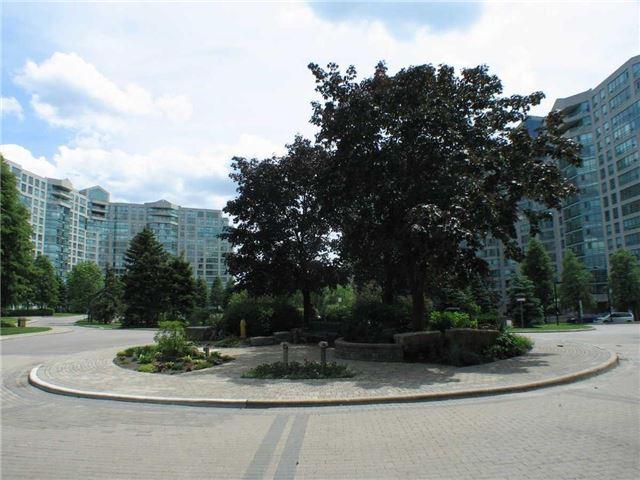 Condo Apartment at 7905 Bayview Ave, Unit 822, Markham, Ontario. Image 12