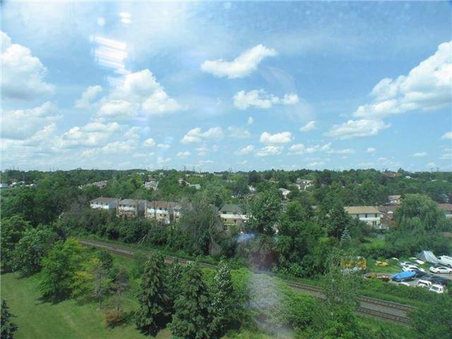 Condo Apartment at 7905 Bayview Ave, Unit 822, Markham, Ontario. Image 14
