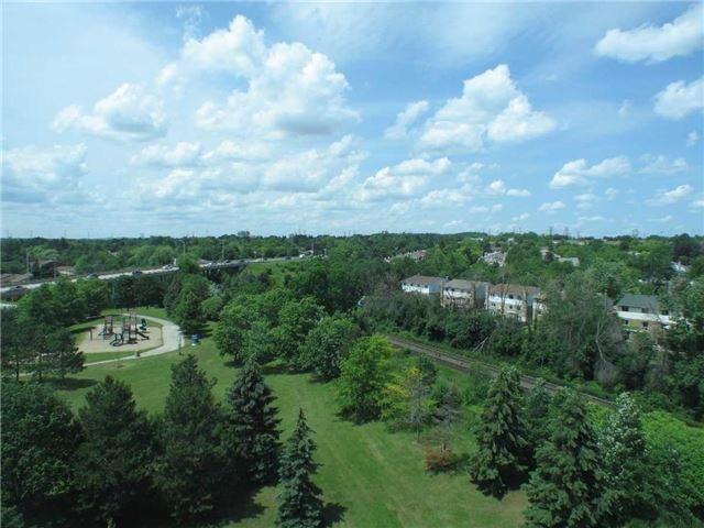 Condo Apartment at 7905 Bayview Ave, Unit 822, Markham, Ontario. Image 15