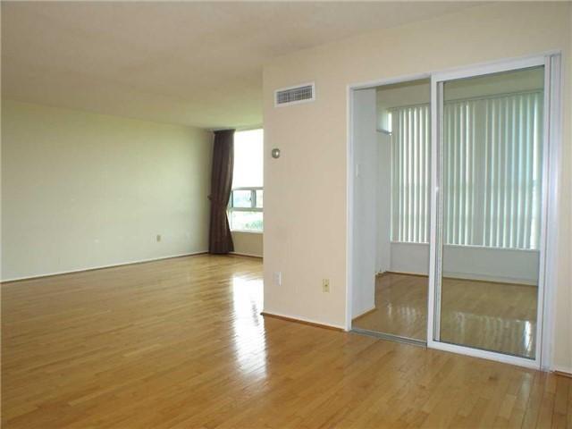 Condo Apartment at 7905 Bayview Ave, Unit 822, Markham, Ontario. Image 3