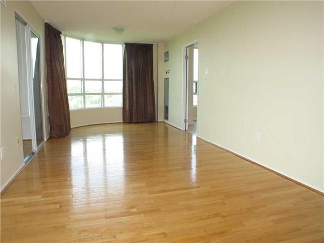 Condo Apartment at 7905 Bayview Ave, Unit 822, Markham, Ontario. Image 4