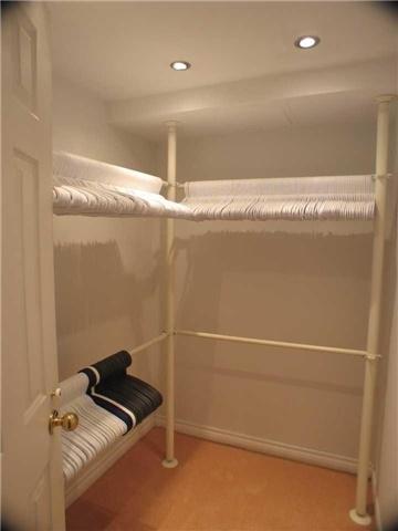 Condo Apartment at 7905 Bayview Ave, Unit 822, Markham, Ontario. Image 7