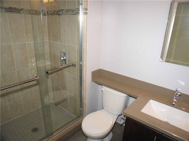 Condo Apartment at 7905 Bayview Ave, Unit 822, Markham, Ontario. Image 11