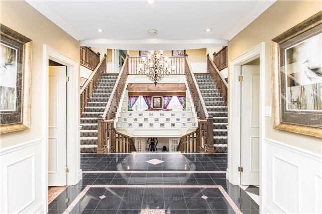 Detached at 60 White Lodge Cres, Richmond Hill, Ontario. Image 12
