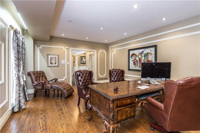 Detached at 60 White Lodge Cres, Richmond Hill, Ontario. Image 15