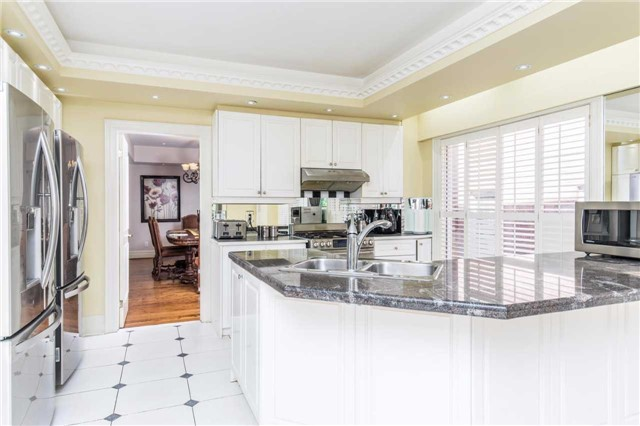 Detached at 60 White Lodge Cres, Richmond Hill, Ontario. Image 16