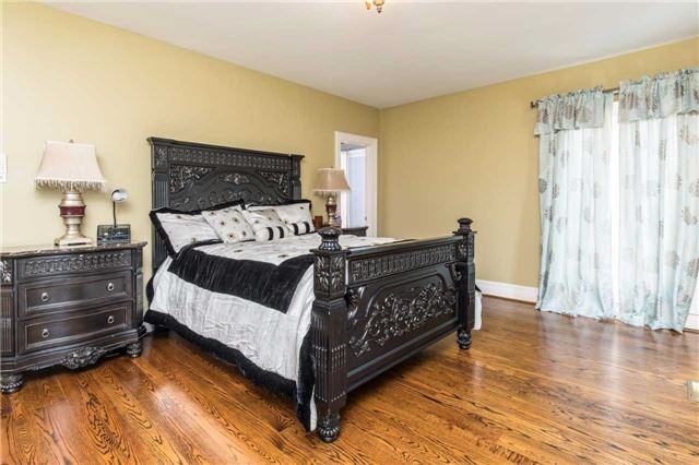 Detached at 60 White Lodge Cres, Richmond Hill, Ontario. Image 5