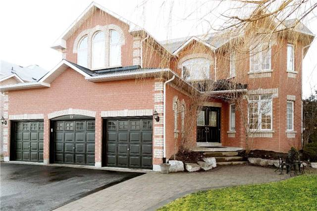 Detached at 19 Golfer's Gate, Vaughan, Ontario. Image 1