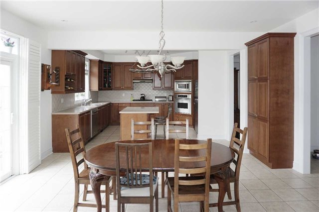 Detached at 19 Golfer's Gate, Vaughan, Ontario. Image 15