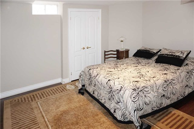 Detached at 19 Golfer's Gate, Vaughan, Ontario. Image 8
