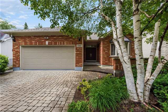 Detached at 2210 25th Sdrd, Innisfil, Ontario. Image 1