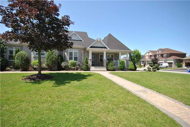 Detached at 14 Olives Gate, Whitchurch-Stouffville, Ontario. Image 1