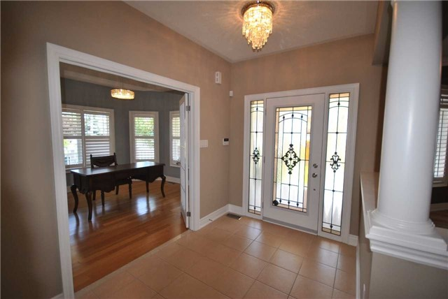 Detached at 14 Olives Gate, Whitchurch-Stouffville, Ontario. Image 15