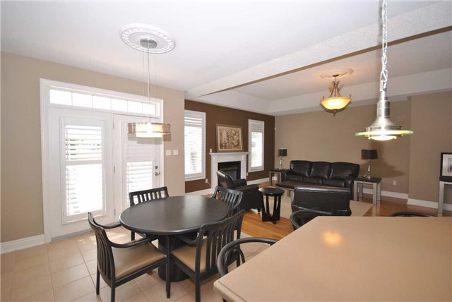 Detached at 14 Olives Gate, Whitchurch-Stouffville, Ontario. Image 2