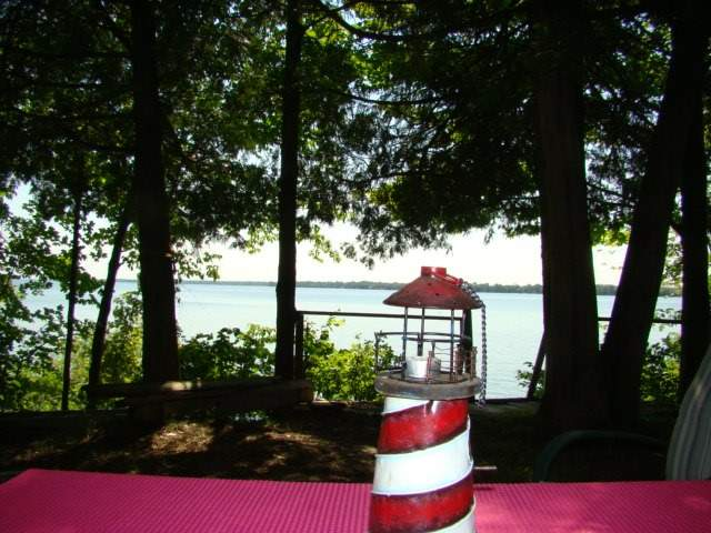 Cottage at 37 Snake Island, Georgina Islands, Ontario. Image 13