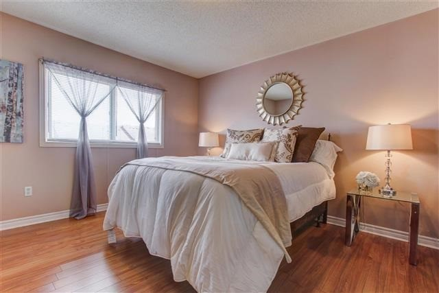 Townhouse at 73 Sonoma Blvd, Vaughan, Ontario. Image 4