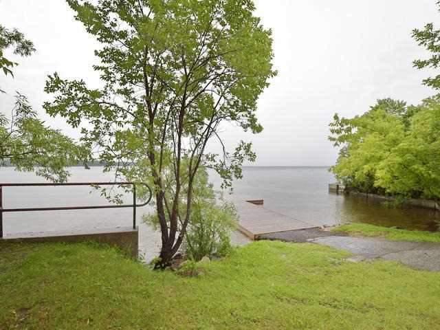 Detached at 1045 Lake Dr N, Georgina, Ontario. Image 10