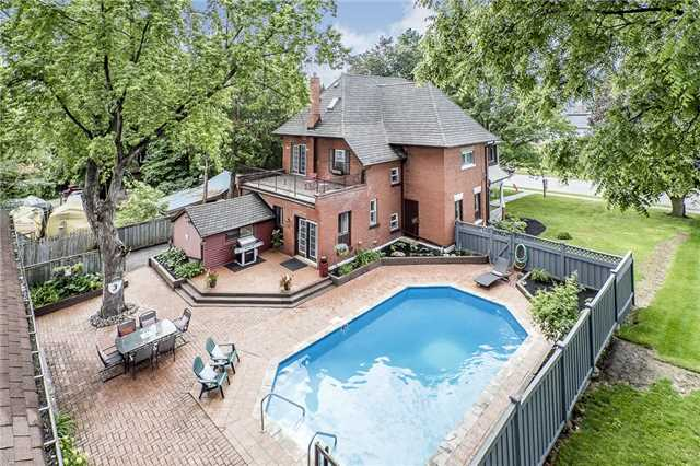 Detached at 33 John St E, Bradford West Gwillimbury, Ontario. Image 7