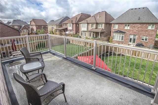 Detached at 32 Nicort Rd, King, Ontario. Image 3
