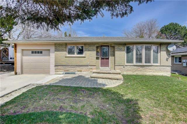 Detached at 138 Orchard Heights Blvd, Aurora, Ontario. Image 1