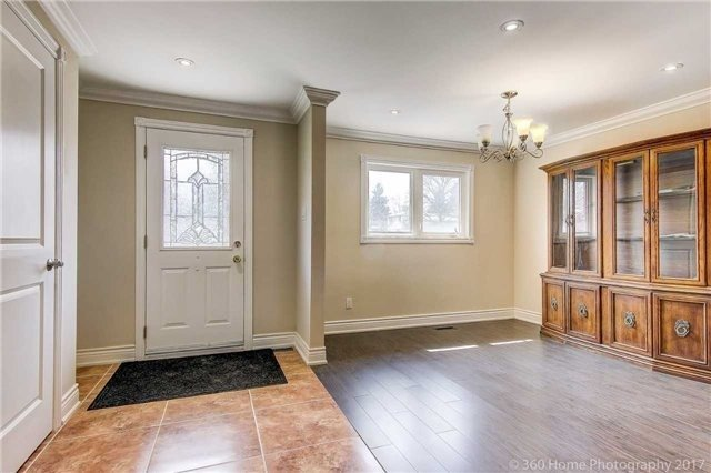 Detached at 138 Orchard Heights Blvd, Aurora, Ontario. Image 12