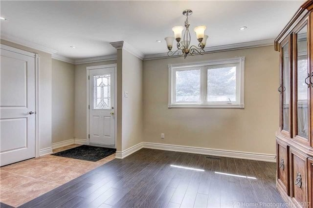 Detached at 138 Orchard Heights Blvd, Aurora, Ontario. Image 13