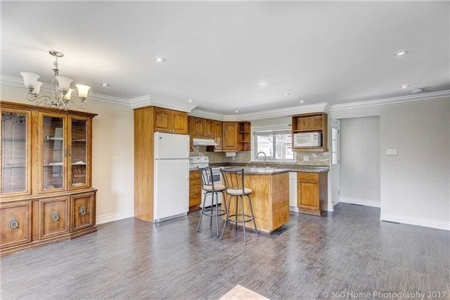 Detached at 138 Orchard Heights Blvd, Aurora, Ontario. Image 14