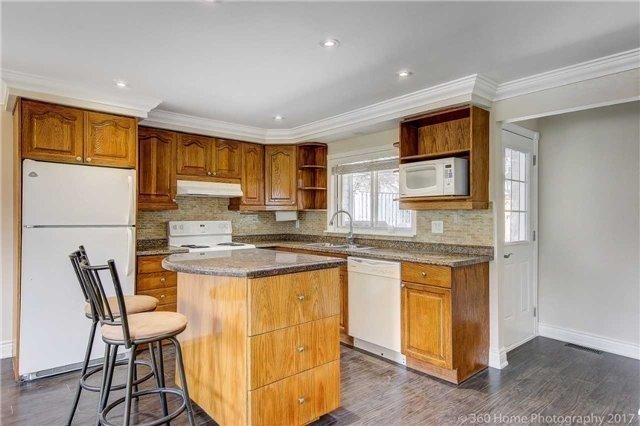 Detached at 138 Orchard Heights Blvd, Aurora, Ontario. Image 16