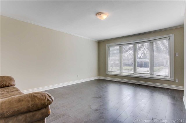 Detached at 138 Orchard Heights Blvd, Aurora, Ontario. Image 19