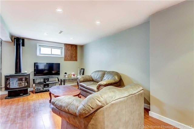 Detached at 138 Orchard Heights Blvd, Aurora, Ontario. Image 8